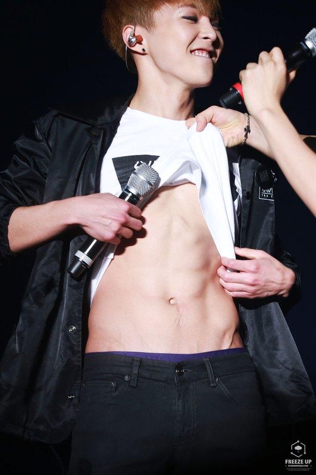 Những nghệ sĩ nam Hàn không thể ngừng phanh áo, khoe múi bụng săn chắc - Ảnh 21.