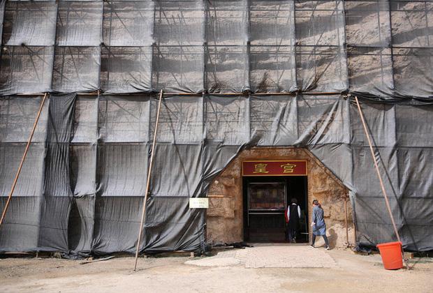 Dưới sức ép của người Ai Cập, Trung Quốc bị buộc tháo dỡ tượng nhân sư nhái khổng lồ - Ảnh 6.