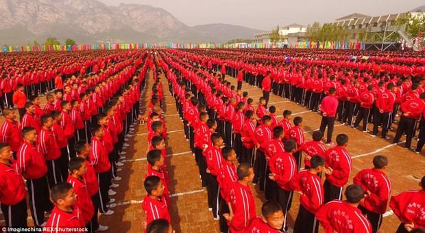 Buổi khai giảng hoành tráng với sự góp mặt của 26.000 cao thủ thiếu lâm - Ảnh 5.