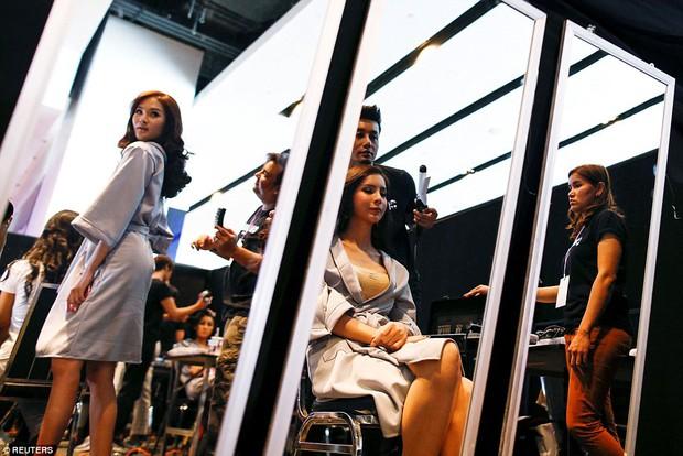 Bên trong cuộc thi sắc đẹp lớn nhất dành cho người chuyển giới ở Thái Lan - Ảnh 7.