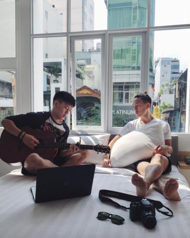 2 anh em sinh đôi lai Việt - Thái đẹp trai, hát hay đang cực hot trên MXH - Ảnh 13.