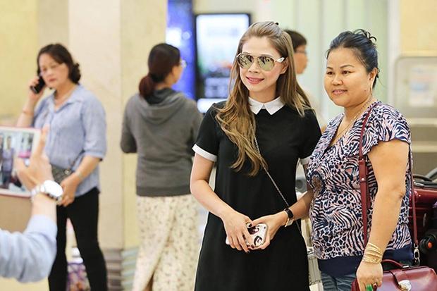 Thanh Thảo mang 200kg hành lý ra Hà Nội để phục vụ cho liveshow - Ảnh 6.