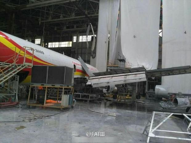 Máy bay Boeing 767 bị siêu bão thổi bay khỏi đường băng - Ảnh 7.