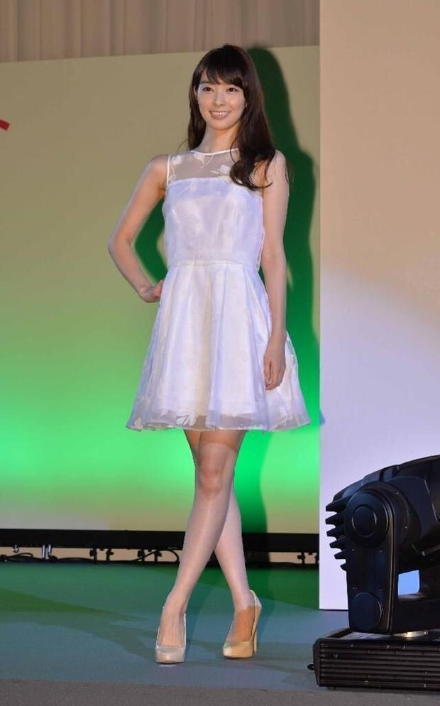 Đây là nhan sắc của những Nữ sinh 20 tuổi xinh đẹp nhất Nhật Bản - Ảnh 7.