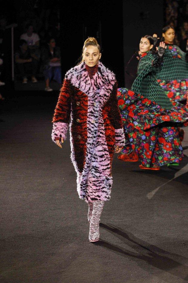 Show H&M x Kenzo tại New York: Suboi diện thiết kế mới nhất, ngồi hàng ghế đầu cùng loạt sao đình đám - Ảnh 29.