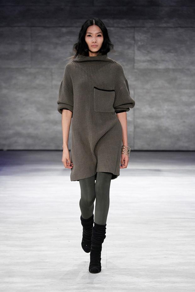 Phía Vietnam International Fashion Week trả lời: Người mẫu không được diễn là do... không đáp ứng được yêu cầu và tiêu chí? - Ảnh 4.