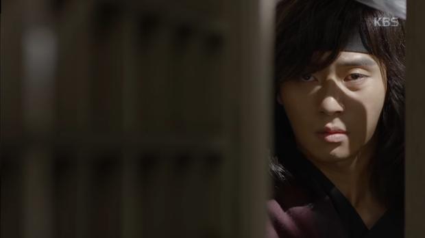 Hwarang: Park Seo Joon ôm hận đến tìm Park Hyung Sik đòi nợ máu - Ảnh 9.