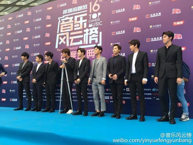 Dàn sao hot nhất Hoa - Hàn hội ngộ tại thảm xanh Chinese Top Music Awards - Ảnh 7.