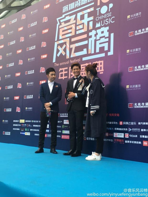 Dàn sao hot nhất Hoa - Hàn hội ngộ tại thảm xanh Chinese Top Music Awards - Ảnh 20.