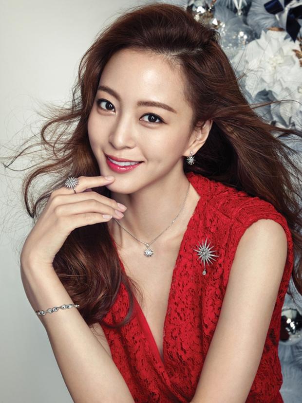 Trai đẹp, gái xinh của làng giải trí châu Á bị mang danh con sâu làm rầu nồi canh - Ảnh 2.