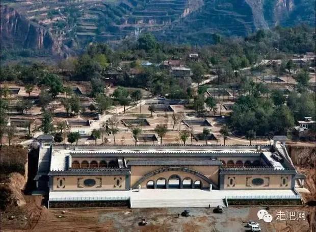 Ngôi làng kỳ lạ nhất Trung Quốc: Toàn bộ người dân đều sống dưới lòng đất - Ảnh 4.