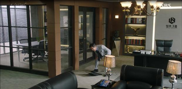 """""""Remember"""": Yoo Seung Ho nghẹn lời khi đã giải oan cho cha thành công - Ảnh 9."""