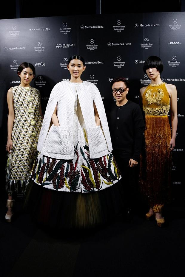 Hà Hồ diện cây đen đến ủng hộ Công Trí tại Tokyo Fashion Week - Ảnh 7.