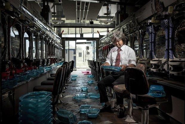 Nhật Bản: Người dân Fukushima trở lại thành phố ma trong loạt hình đầy ám ảnh - Ảnh 7.