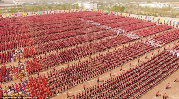 Buổi khai giảng hoành tráng với sự góp mặt của 26.000 cao thủ thiếu lâm - Ảnh 3.