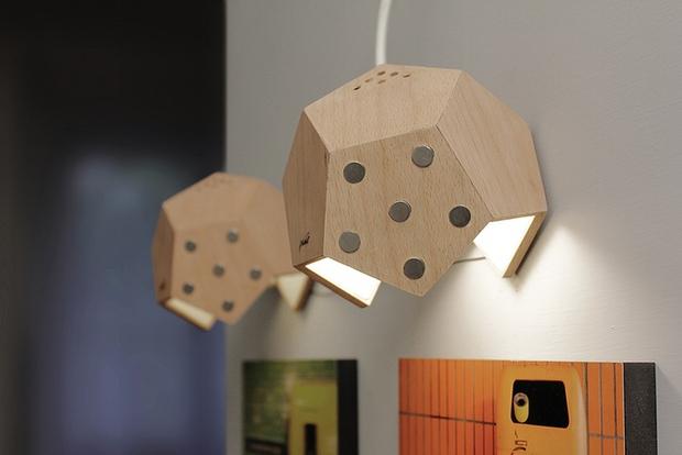 Chùm đèn tổ ong kết nối bằng nam châm không cần dây điện - Ảnh 9.