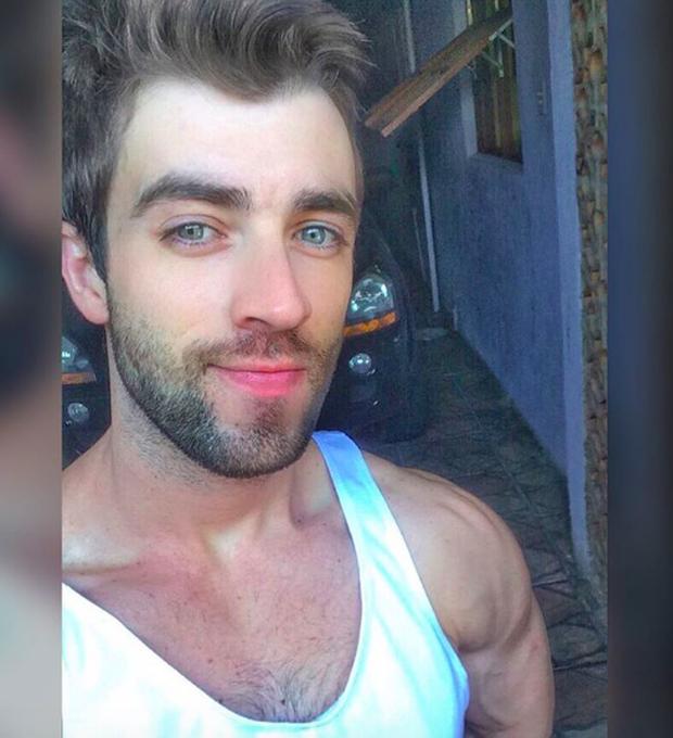 Anh chàng phi công siêu đẹp trai với body 6 múi đang làm dậy sóng Instagram  - Ảnh 10.