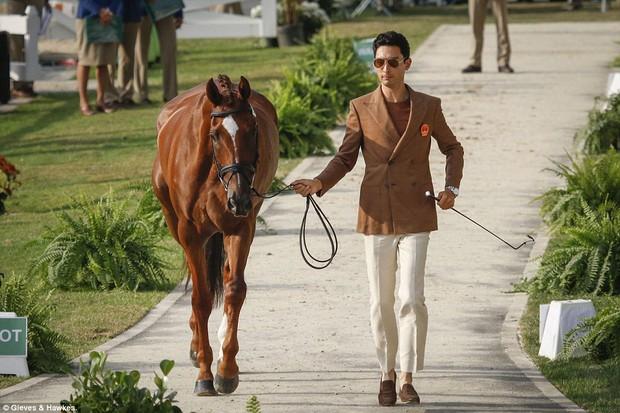"""Trai đẹp """"vạn người mê"""" từ bỏ nước Anh sang thi đấu cho đội đua ngựa Trung Quốc - Ảnh 6."""