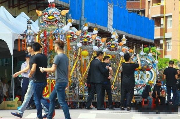 Đại ca xã hội đen khét tiếng Đài Loan bị bắn chết, 3.000 người nối đuôi nhau đến đưa tang - Ảnh 6.
