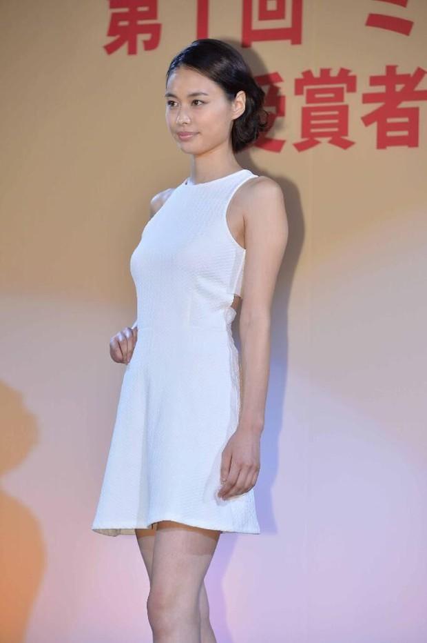 Đây là nhan sắc của những Nữ sinh 20 tuổi xinh đẹp nhất Nhật Bản - Ảnh 6.