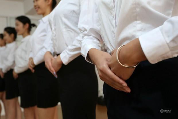 Những cô gái chân dài tất bật chuẩn bị cho kỳ thi tuyển sinh vào các trường nghệ thuật - Ảnh 8.