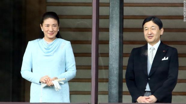 Tình yêu trọn đời mà Thái tử Nhật dành cho vị Công nương trầm cảm lay động trái tim hàng triệu người - Ảnh 1.