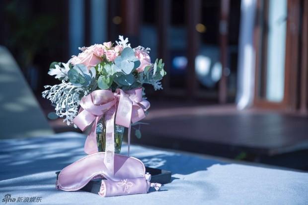 Lâm Tâm Như mở tiệc chia tay cuộc đời độc thân ngập tràn sắc hồng - Ảnh 14.