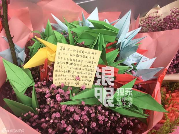 Trần Kiều Ân khóc không ngừng trong lễ an táng mỹ nam Kiều Nhậm Lương - Ảnh 26.