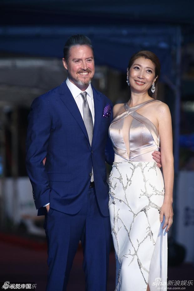Dàn mỹ nhân xứ Đài váy áo lộng lẫy, đọ sắc tại thảm đỏ Kim Chung lần thứ 51 - Ảnh 10.