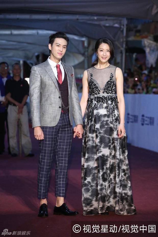Dàn mỹ nhân xứ Đài váy áo lộng lẫy, đọ sắc tại thảm đỏ Kim Chung lần thứ 51 - Ảnh 15.
