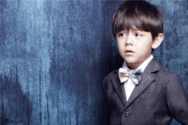 Hoàng tử bé Nặc Nhất đáng yêu phát hờn trong loạt ảnh mừng sinh nhật - Ảnh 4.