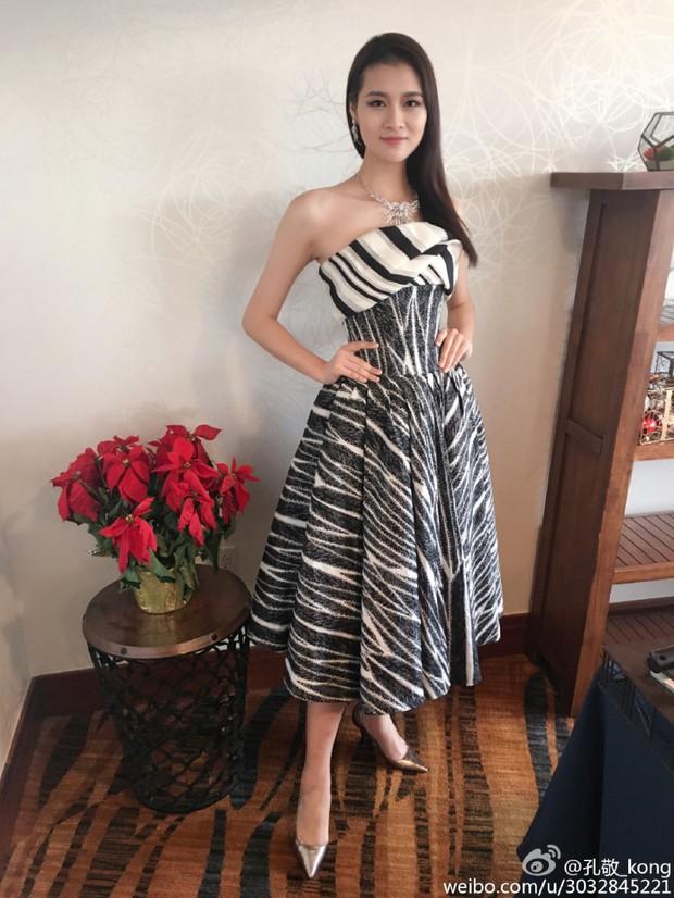 Hoa hậu Trung Quốc bị tố đá bay bạn trai ngay sau khi đăng quang - Ảnh 12.