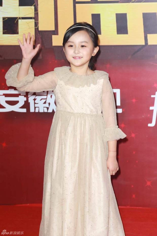 Đường Yên - La Tấn ngọt ngào đến đáng ghen tị, Trần Kiều Ân khoe tóc mái bằng trẻ như gái 20 - Ảnh 15.