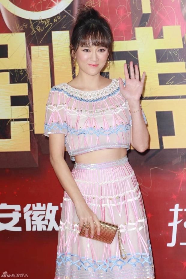 Đường Yên - La Tấn ngọt ngào đến đáng ghen tị, Trần Kiều Ân khoe tóc mái bằng trẻ như gái 20 - Ảnh 5.