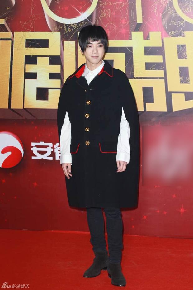 Đường Yên - La Tấn ngọt ngào đến đáng ghen tị, Trần Kiều Ân khoe tóc mái bằng trẻ như gái 20 - Ảnh 17.