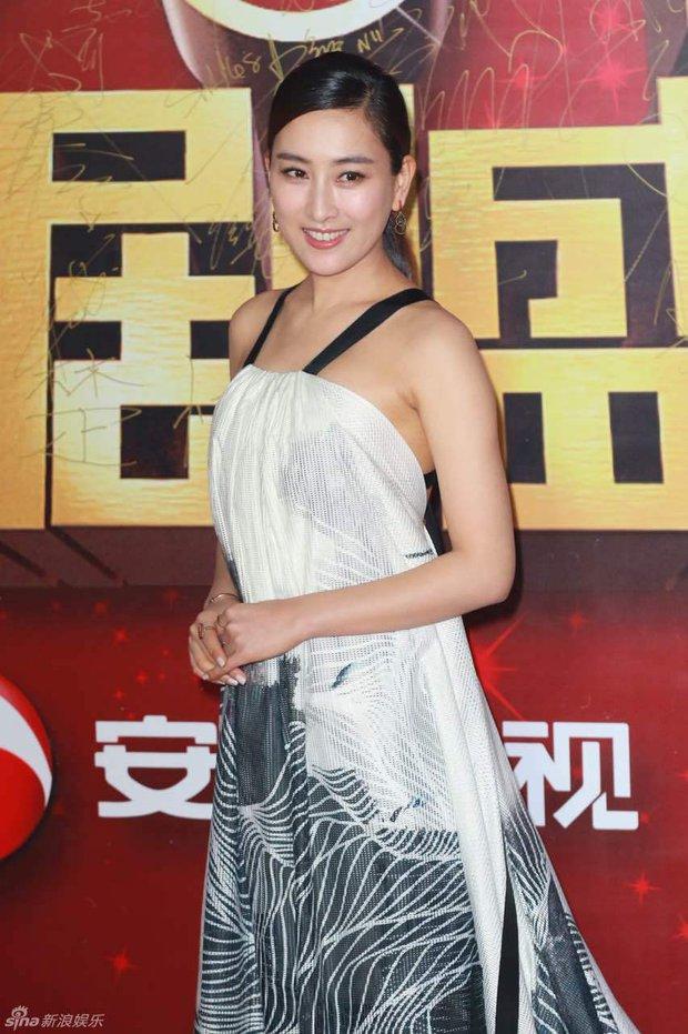 Đường Yên - La Tấn ngọt ngào đến đáng ghen tị, Trần Kiều Ân khoe tóc mái bằng trẻ như gái 20 - Ảnh 20.