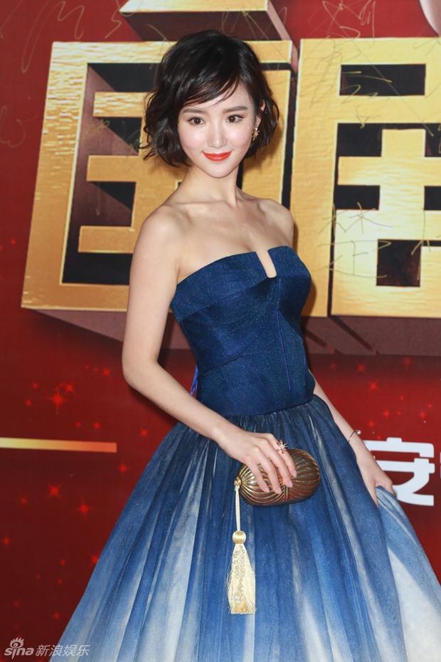 Đường Yên - La Tấn ngọt ngào đến đáng ghen tị, Trần Kiều Ân khoe tóc mái bằng trẻ như gái 20 - Ảnh 27.