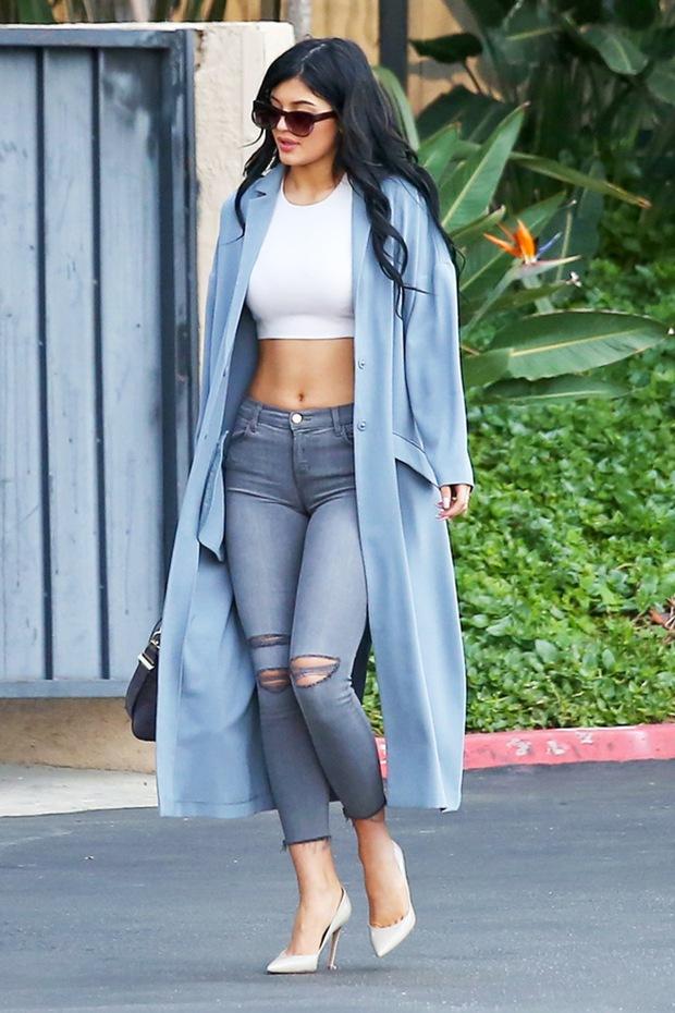 Kiểu mix đồ cây cầu lạ mà quen đang được Kendall Jenner lăng xê nhiệt tình - Ảnh 9.