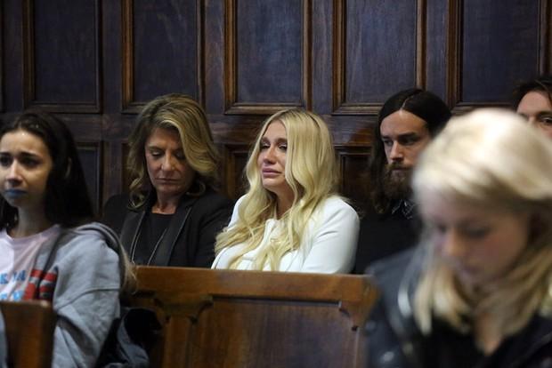 Toàn cảnh vụ kiện ầm ĩ gây bức xúc dư luận của Kesha và Dr. Luke - Ảnh 9.