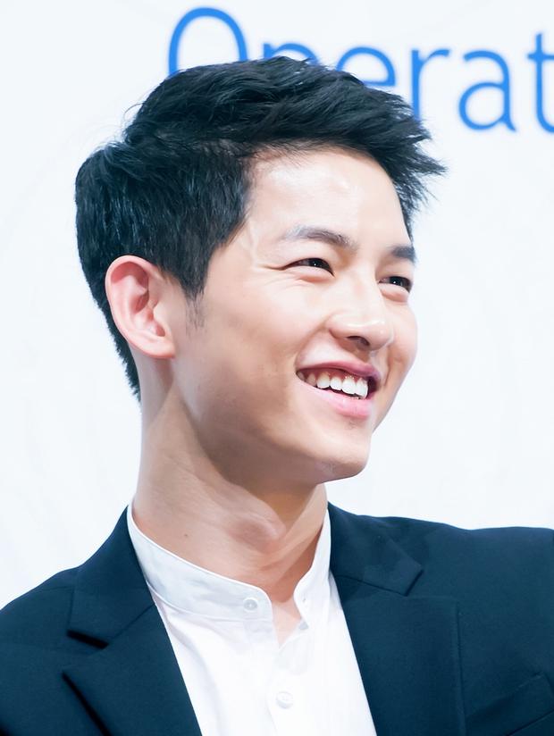 Đây chính là bí quyết giúp Song Joong Ki có làn da mịn màng hơn cả con gái - Ảnh 4.