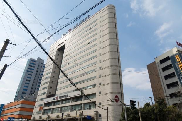Những tòa nhà không thể mỏng hơn chỉ có ở Trung Quốc - Ảnh 2.