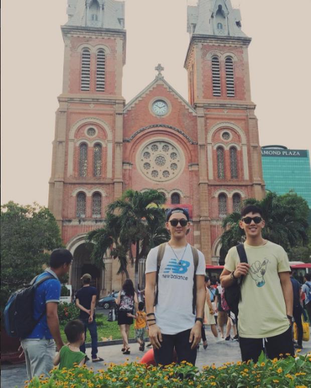 2 anh em sinh đôi lai Việt - Thái đẹp trai, hát hay đang cực hot trên MXH - Ảnh 7.