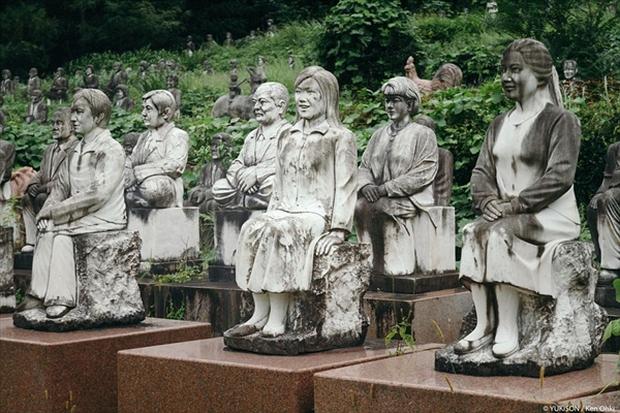Nỗi ám ảnh từ những bức tượng biết đi tại công viên ma Nhật Bản - Ảnh 5.