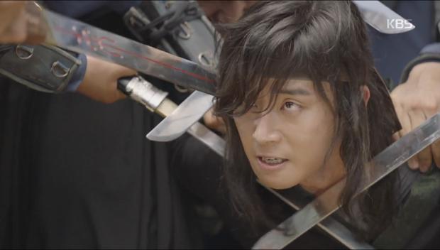 """""""Hwarang"""": Sung Dong Il bất chấp thủ đoạn hòng chiêu mộ nhân tài - Ảnh 12."""