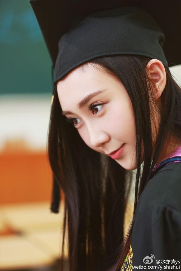 Loạt ảnh những nữ thần giảng đường Trung Quốc xinh như mơ trong ngày tốt nghiệp - Ảnh 27.