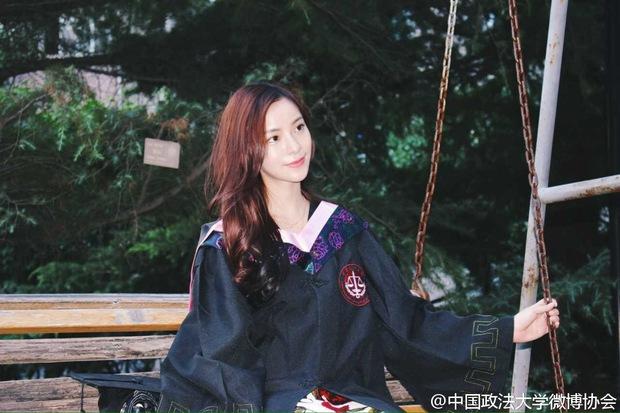 Loạt ảnh những nữ thần giảng đường Trung Quốc xinh như mơ trong ngày tốt nghiệp - Ảnh 19.