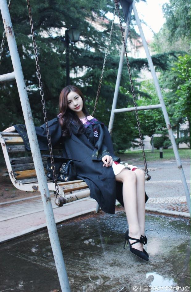 Loạt ảnh những nữ thần giảng đường Trung Quốc xinh như mơ trong ngày tốt nghiệp - Ảnh 21.