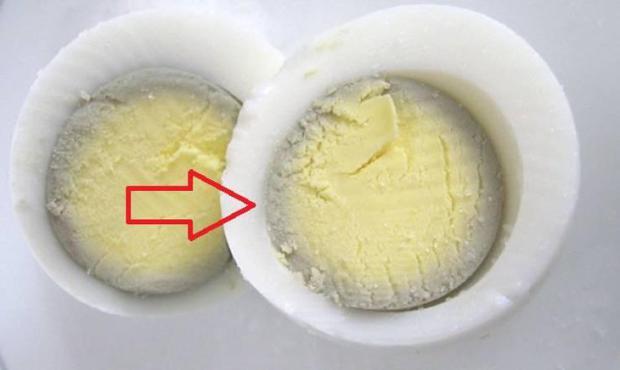 Khi trứng luộc xuất hiện viền màu xanh thì có nghĩa là gì? - Ảnh 1.