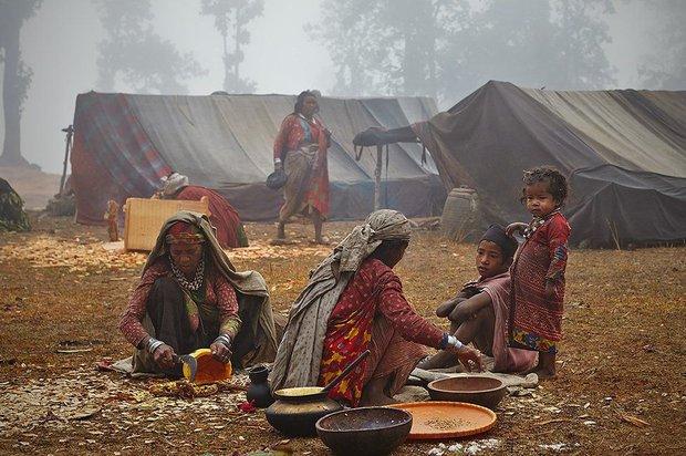 Chùm ảnh: cuộc sống của bộ lạc du mục cuối cùng tại Nepal - Ảnh 4.
