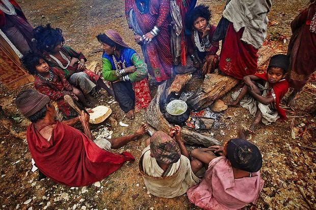 Chùm ảnh: cuộc sống của bộ lạc du mục cuối cùng tại Nepal - Ảnh 5.